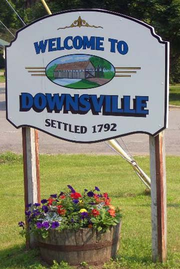 downsvillwelcomesign.jpg